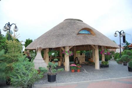 Altana przy centrum ogrodniczym w Radomiu